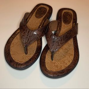 Size 7 b.o.c never worn brown flip flops